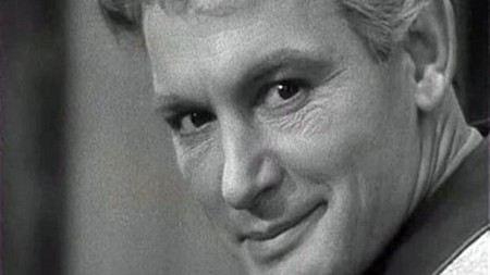 Vassili semenovitch lanovoï (en russe: васи́лий семёнович ланово́й), né à moscou le 16 janvier 1934, est un acteur de théâtre et cinéma soviétique, distingué artiste du peuple de l'urss en 1985. Membre du parti communiste de l 'union soviétique en 1968.