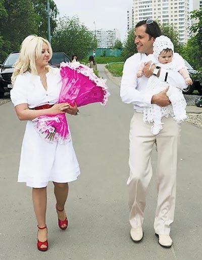 Крещение старшей дочери Александра Реввы - Алисы