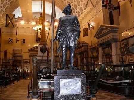 В Петербурге задержали директора военно-морского музея Андрея Лялина.