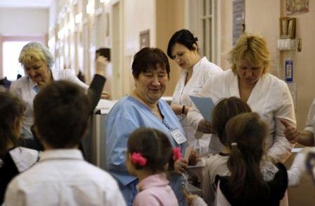 В России дефицит медсестер составляет 270 тыс человек, а это больше, чем население Великого Новгорода.