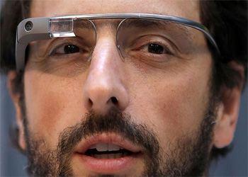В марте 2013 года компания рассказала о первых программах для Glass