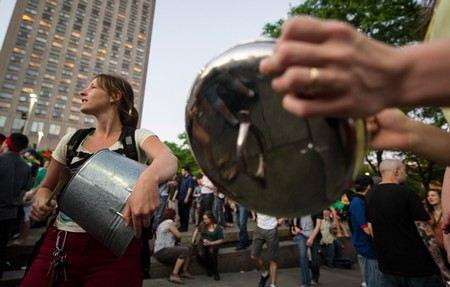 Оппозиция в Венесуэле устроила кастрюльный бунт.