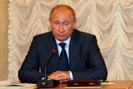 Кремль возмутился тем, что журналисты выложили в интернет видеозапись с закрытого совещания Владимира Путина.