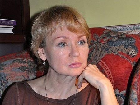 Супруга Виктора Бута хочет отсудить у РЕН ТВ 1 млн долларов.