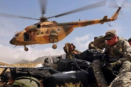 Талибы захватили в Афганистане самолет с российскими пилотами.