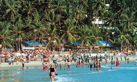 На пляжах в индийском Гоа запретили алкоголь и некоторые безалкогольные напитки.