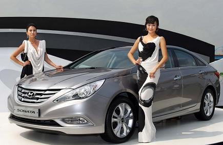 Компания Hyundai готовит новый семейный седан