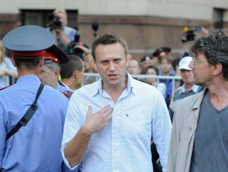 В Кирове продолжается третий день суда над Алексеем Навальным по делу о хищении в «Кировлесе».