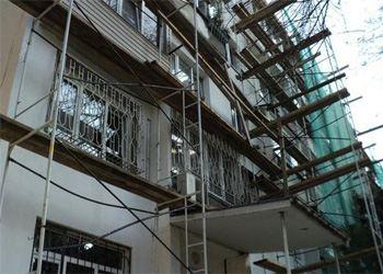 Санкт-Петербург в 2013 году проведет капитальный ремонт 1,3 тысяч домов