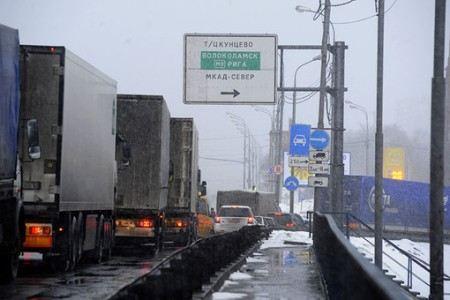 Правительство Москвы ограничит въезд грузовиков на МКАД