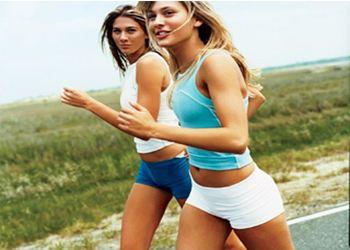 Легкие тренировки до завтрака эффективнее вечерних изнурительных занятий в спортзале