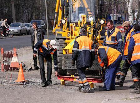 На качественный ремонт дороги необходимо много сил и времени