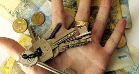 В Москве осудили сотрудника Минрегионразвития за то, что он обманул ветерана на 30 млн рублей.