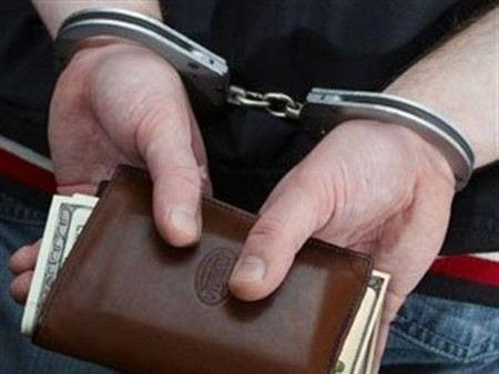 В Москве задержали афериста, который торговал должностями в Росимуществе.
