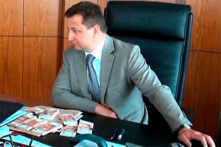Председателю правления Росбанка Владимиру Голубкову грозит до 7 лет тюрьмы.