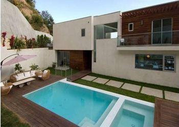 Хью Хефнер подарил молодой супруге дом за 5 миллионов долларов