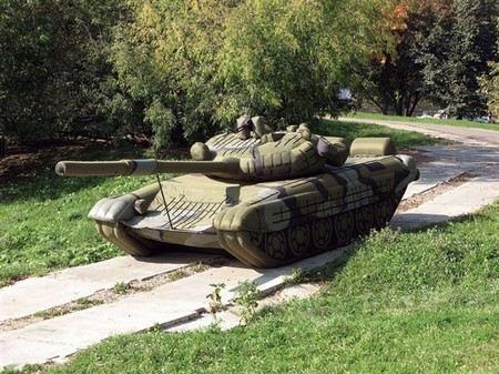 В Амурской области во время военных учений сгорели два макета танков.