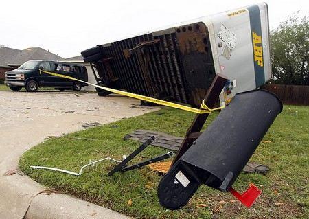 В штате Оклахома в США в результате торнадо погибли более 90 человек.