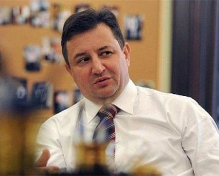 Владимира Голубкова уволили с поста председателя правления Росбанка.