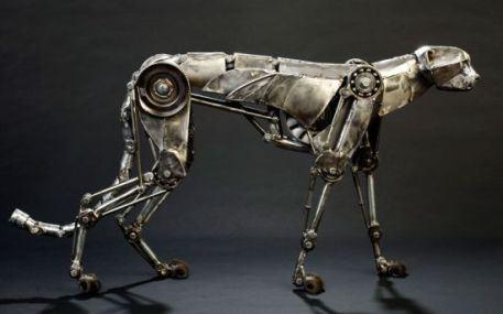 Конструкторы воспроизвели мелкую моторику, присущую движениям настоящего гепарда