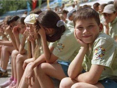 Загородные лагеря начали принимать детей