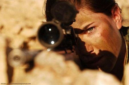 В Израильской армии ЦАХАЛ наказаны женщины-военные, которые опубликовали свои откровенные фото в Facebook.
