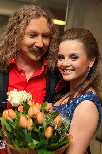 Игорь Николаев с Юлией Проскуряковой после концерта
