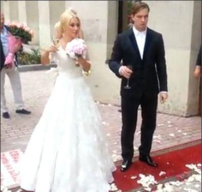 Лера вышла замуж