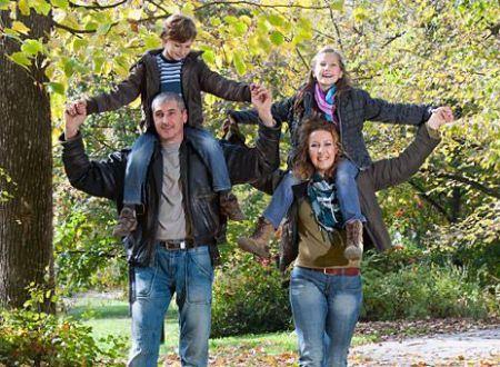 Семейные фотографии говорят о крепком брачном союзе