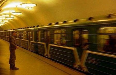 В Московском метро погиб машинист.