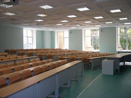 При закупке мебели в Минобороны переплатили 60 млн рублей.