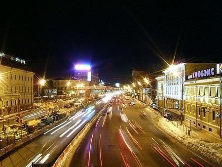 В Москве на четырех магистралях с 1 августа увеличат разрешенную скорость автомобильного движения.