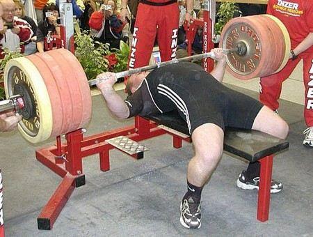 В конце июня стало известно, что Евгений Нечаев, красноярский спортсмен-пауэрлифтер, будет принимать участие в пятнадцатом юбилейном спортивном фестивале «Арнольд Классик»-2013