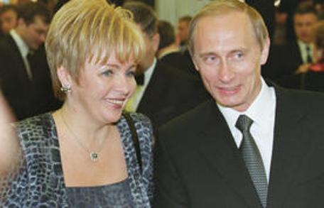 Чета Путиных: бывали дни веселые...