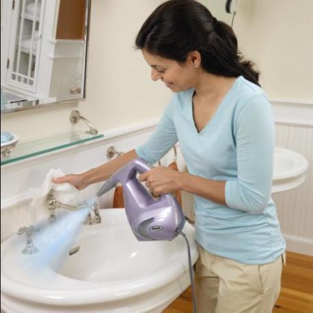Пароочиститель прекрасно чистит сантехнику