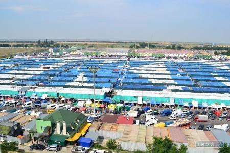 Рекламу одесского рынка видно из космоса