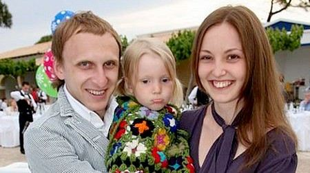Гавр Гордеев с женой и дочкой