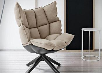 B&B Italia создали кресло с амбициями диванчика