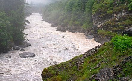 Река Ингури протекает по территории западной Грузии