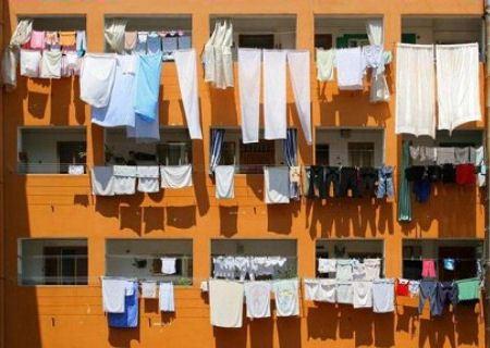 А белье на балконах в Сочи сушат часто