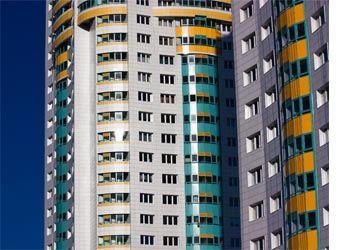 Ожидается рост курса доллара до 36 рублей осенью, но это на цены на жилье не повлияет