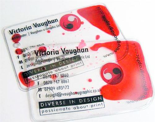Пластиковые визитки в моде