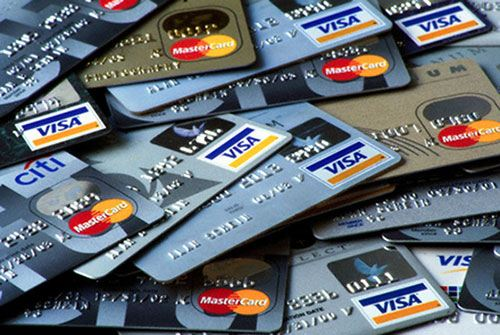Получить кредитную карту просто, сделать выбор в каком банке - сложно