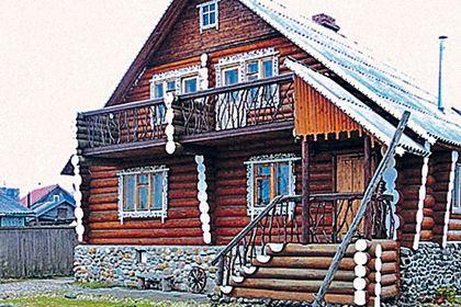 Деревянный дом - довольно удобный и экологичный для загородного жилья