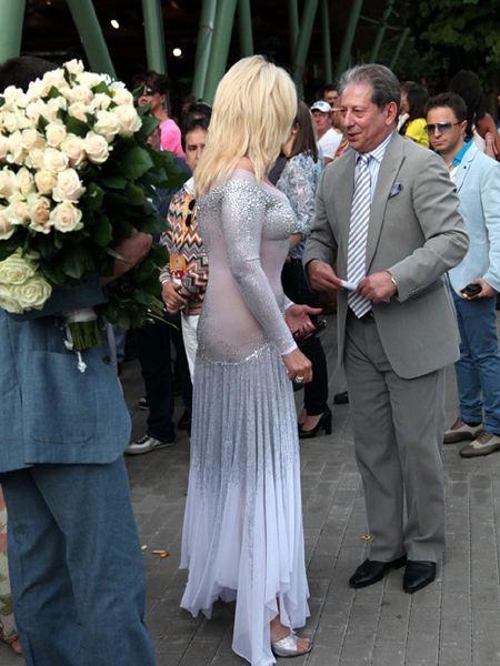 Ирину Аллегрову запечатлели без нижнего белья