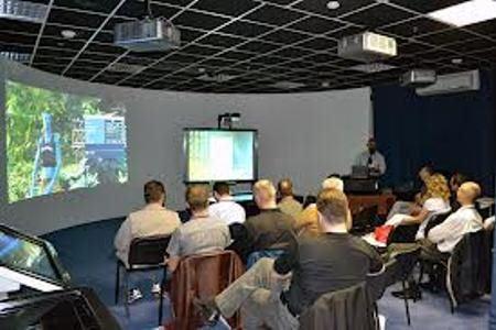 На презентации и выставках без проектора не обойтись