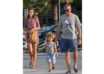 Роман Абрамович носит с сыном одинаковые футболки за 700 рублей