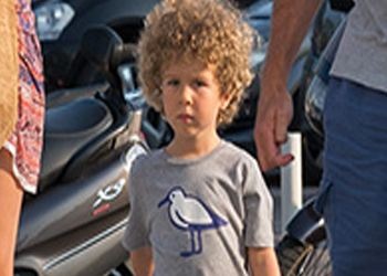 Abramovich's son wears a T-shirt for 500 rubles