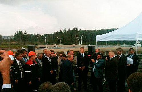 Владимир Путин поздравил строителей с окончанием работ