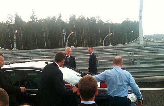 Президент опробовал северный участок ЗСД за рулем «Mercedes»